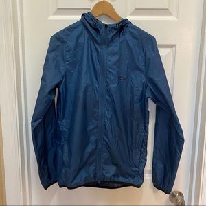 Oakley windbreaker/raincoat with hood size small